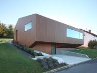 Фасад двухэтажного дома — варианты оформления на фото.
