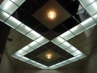Как сделать подвесной потолок в ванной. 115 фото подвесного потолка в ванной комнате.