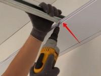 Как становить потолочный карниз для натяжных потолков : способы монтажа