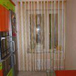 Современные шторы на кухню 11