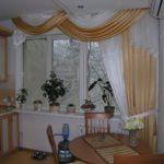 Современные шторы на кухню 6