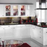 кухня-белая-и-стекло