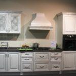 кухня классика белая-массив