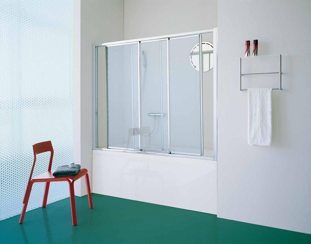 Раздвижной вид штор из пластика для ванной