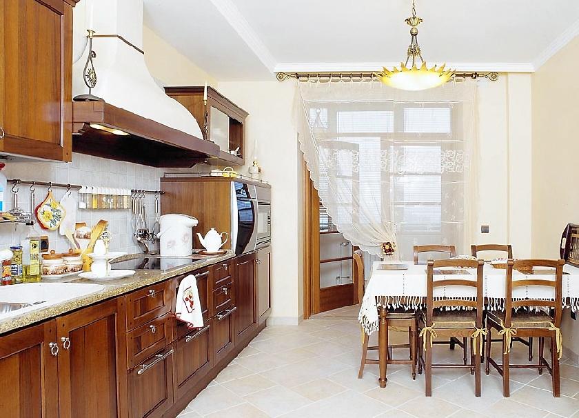 Шторы для кухни с балконом - 1