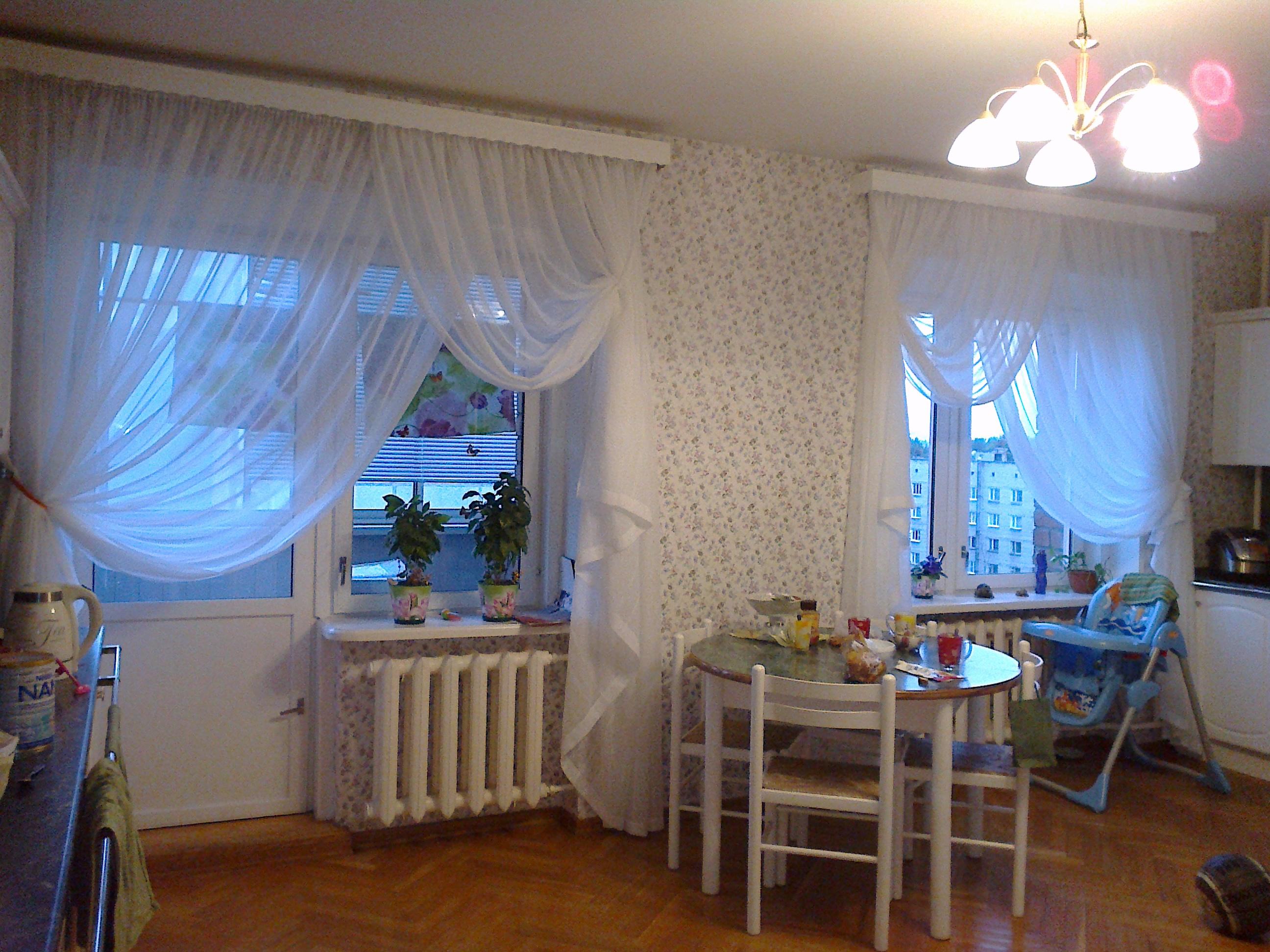 Шторы на кухню с балконом 6