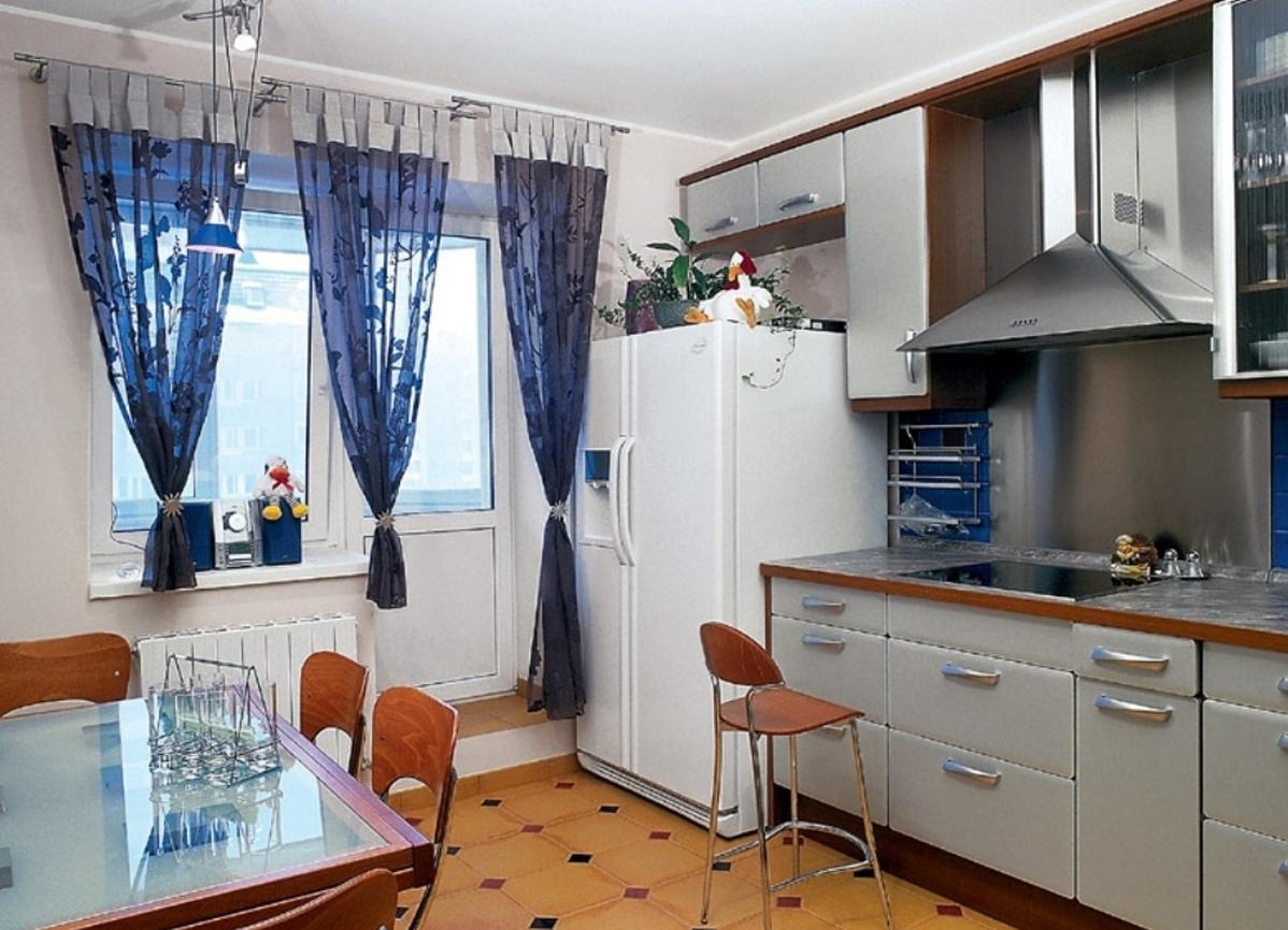 Шторы на кухню с балконом 7