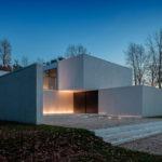 современный-двухэтажный-частный-дом-dm-от-студии-cubyc-01