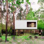 современный-дом-в-лесу-с-зеркальным-фасадом-от-студии-reform-05