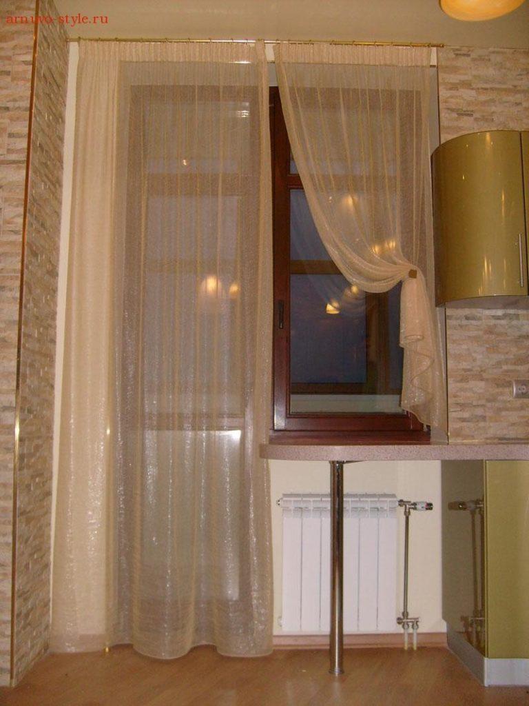 Идеи тюли для кухни с балконом