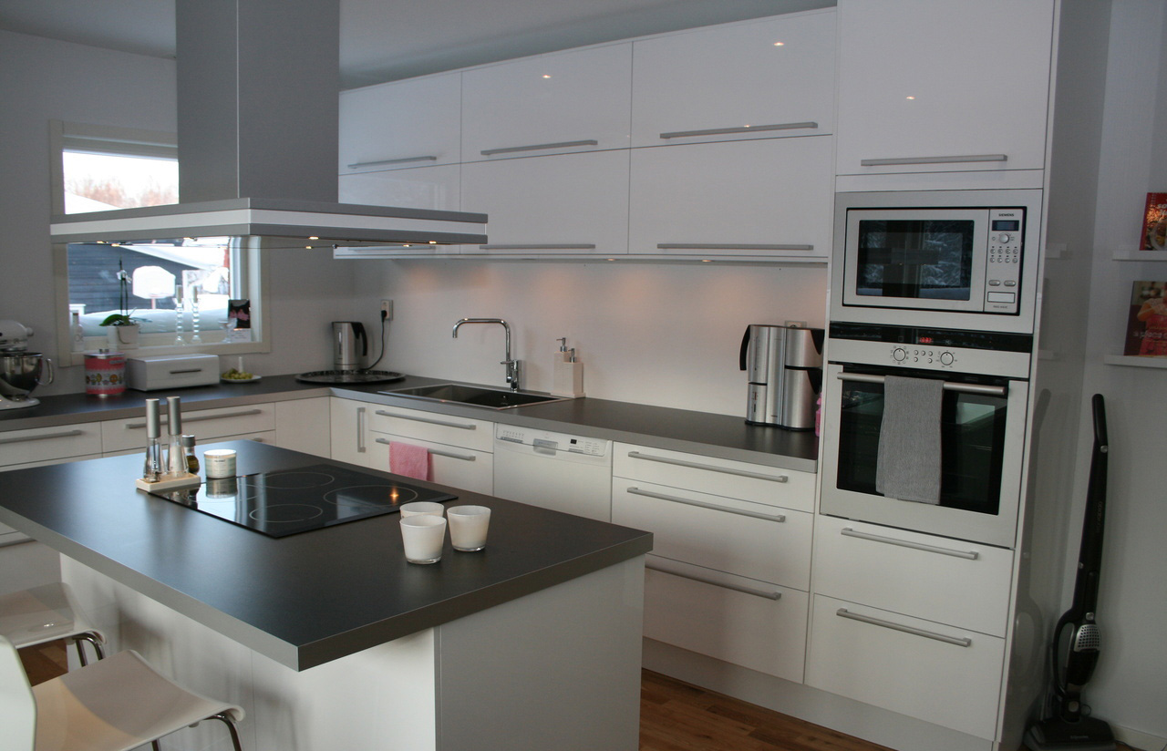 белый цвет кухни Икеа -1