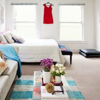 Зонирование комнаты на гостиную и спальню