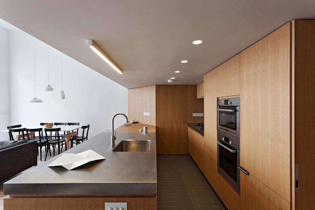 sovremennyj-dizajn-interera-kvartiry-v-londone-ot-studii-vw-bs-01