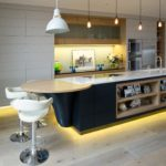 Фото кухня с островом
