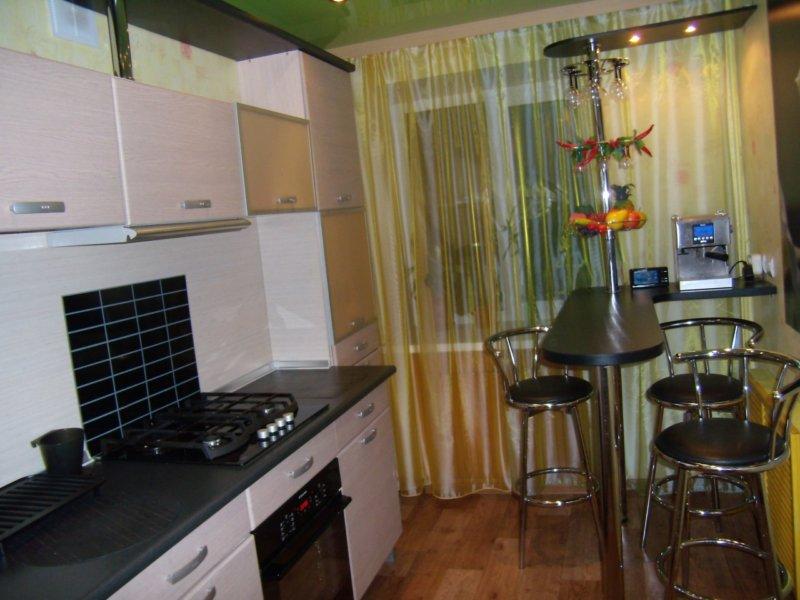 Смотреть фото кухня с барной стойкой