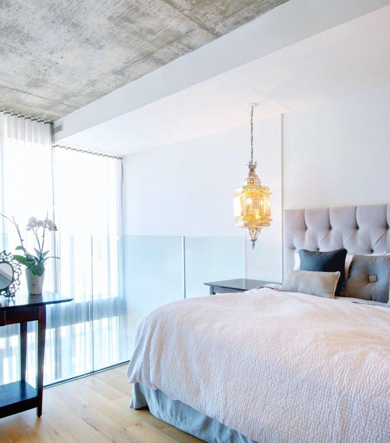 светильники на потолке в спальне