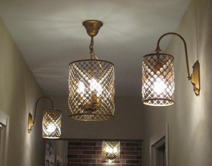 светильники в натяжных потолках интерьере