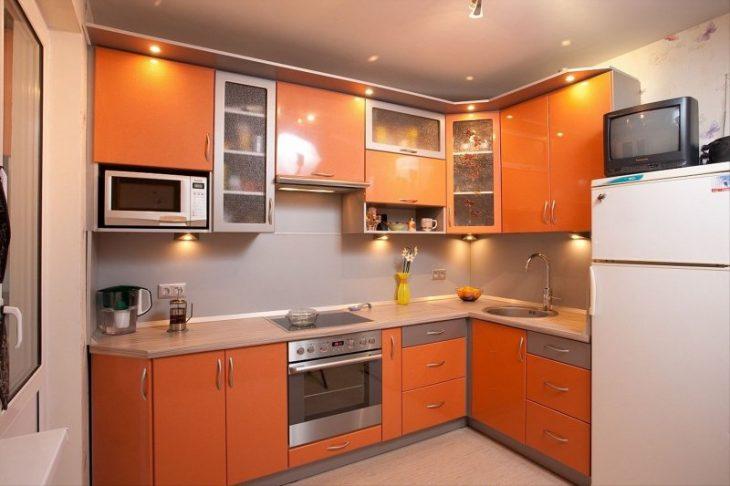 цвет угловой маленькой кухни
