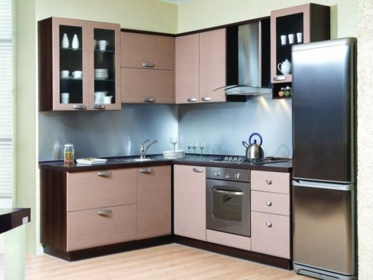 угловые кухни маленького размера