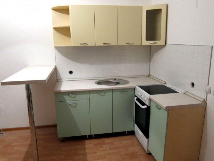 угловые кухни для маленькой кухни