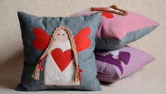 Подушки своими руками: декоративное оформление